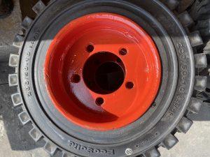 solid forklift truck tyres - cova claudio e figli gomme srl